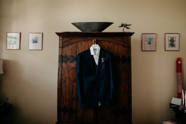 Suit Hang Husband Preparation Mjbale