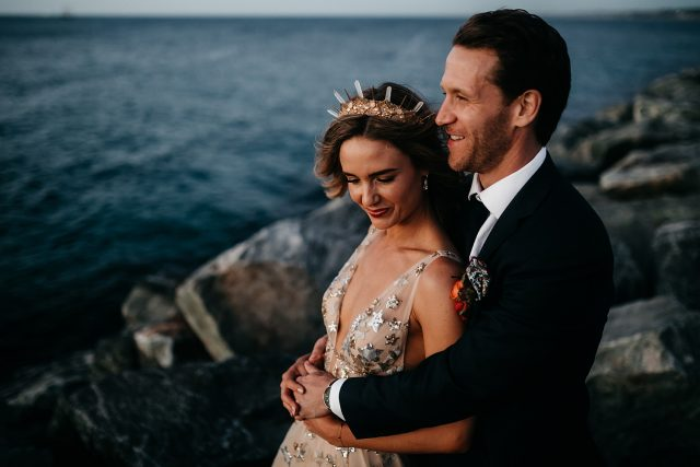Water Bride Groom Embrace View Sunset